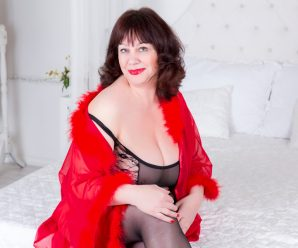 Ever wanted to see a nude mature woman over 50 on cam to cam?